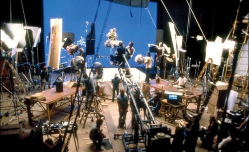On the set ofStar Wars: Return of the Jedi, directed by Richard Marquand, 1983.