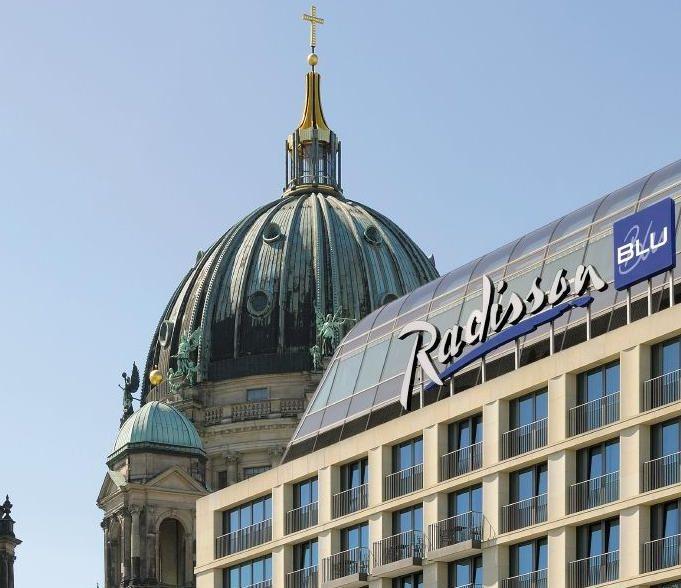 Radisson Blu Berlin und Hamburg als Top Arbeitgeber ausgezeichnet | UNITEDNETWORKER Wirtschaft und Lebensart