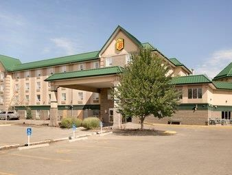 Calgary (AB) Super 8 Calgary/Shawnessy Canada, North America The 2-star Super 8 Calgary/Shawnessy offers comfort and convenience whether you're on business or holiday in Calgary (AB). The hotel offers a wide range of amenities and perks to ensure you have a great time. Facilities like free Wi-Fi in all rooms, 24-hour front desk, facilities for disabled guests, express check-in/check-out, luggage storage are readily available for you to enjoy. Television LCD/plasma screen, air ...