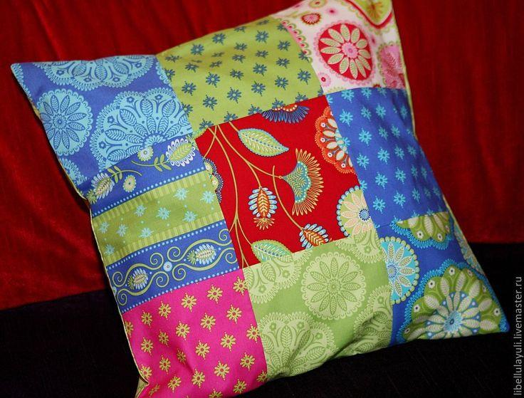 """Купить Наволочка на подушку """"Радость"""" - синий, зеленый, красный, розовый, подушка, лоскутная подушка"""