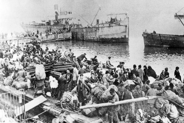 Από τον Ιούλιο του 1922, για την είσοδο προσφύγων στην Ελλάδα χρειαζόταν ειδική άδεια