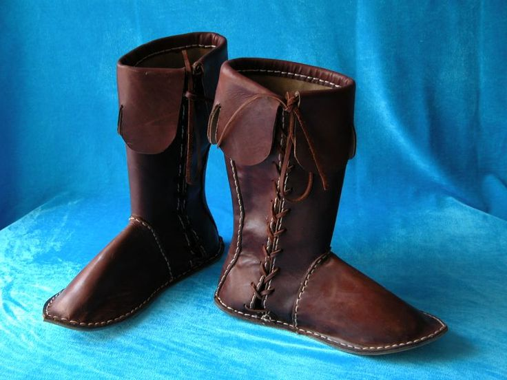 Medieval Boots    http://armstreet.com/news/early-medieval-boots