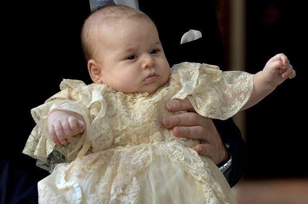 Her ankommer prins George til sin dåb - Royale   www.bt.dk