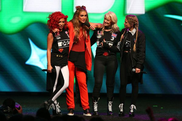 Delta Goodrem Photos Photos - Members of G.R.L Lauren Bennett; Natasha Slayton; Jazzy Mejia pose with Delta Goodrem during the Nickelodeon Slimefest 2016 matinee show at Margaret Court Arena on September 25, 2016 in Melbourne, Australia. - Nickelodeon Slimefest 2016 - Melbourne: Show