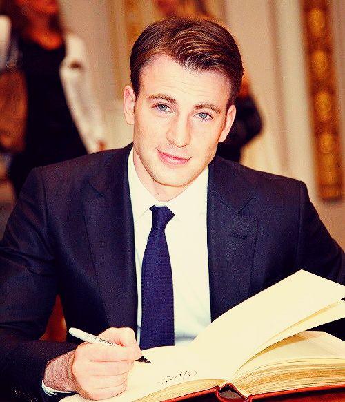 Es mi amour :). Me encanta el actor porque el es muy comico y cariñoso.
