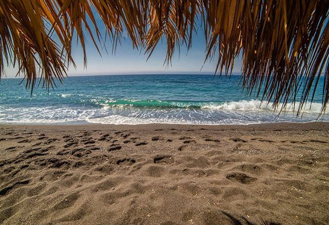 The beautiful #sand of #Vlyhada #beach on #Santorini Island, #Greece Photo creduits:@alpineowls