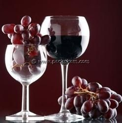 Natural grape wine recipe with 4 simple ingredients