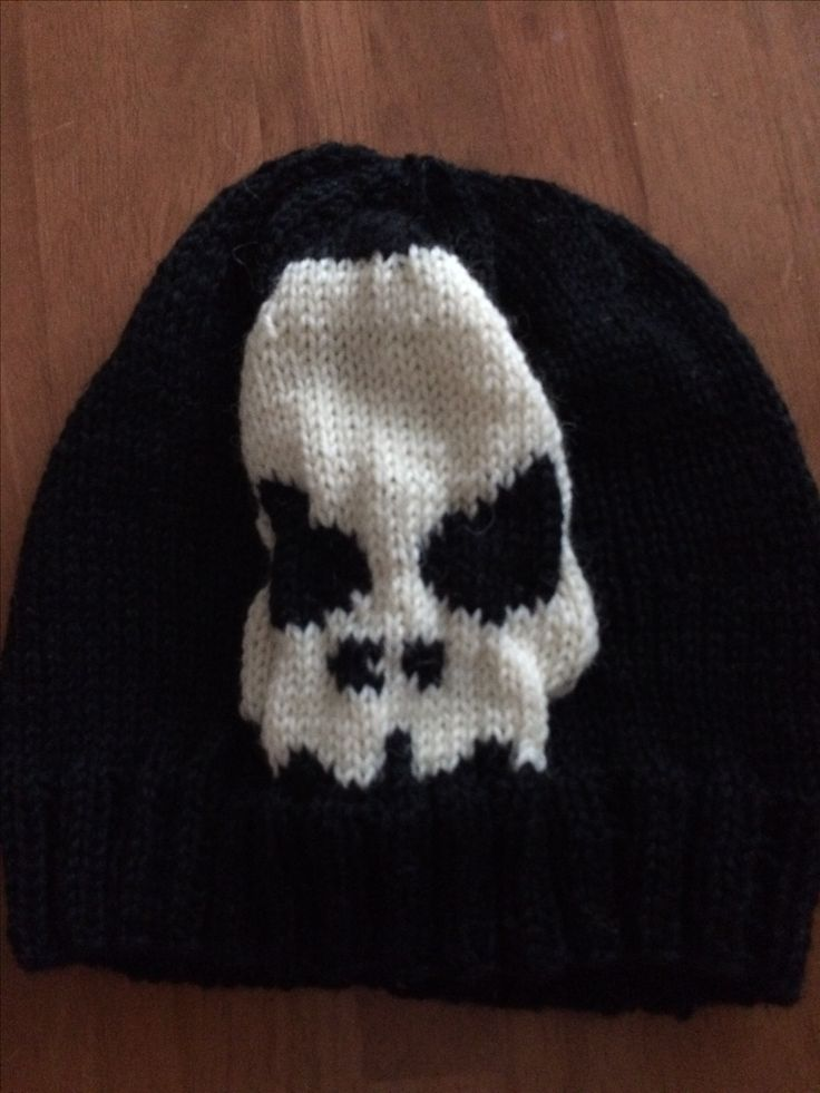 Skull hat to 7 year old boy