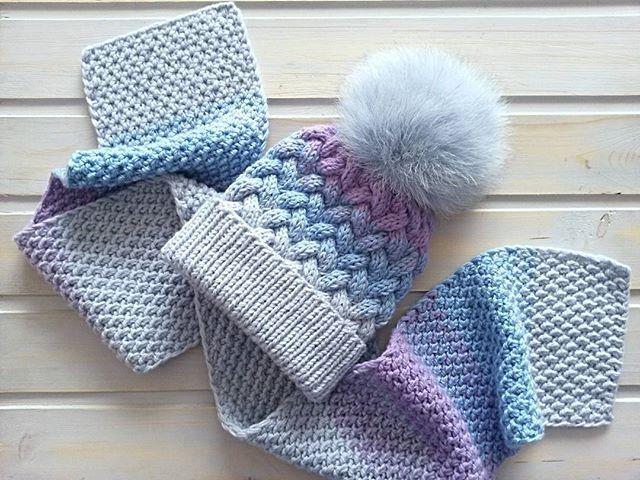 С пятницей, друзья! У меня готов комплект для маленькой девочки. Получился тепленький, связан градиентом из полушерстяной пряжи.Уже отправился к своей хозяйке. Спасибо за пряжу @lubimiy_ykt .В последнее время закупаюсь только там.Всегда есть выбор и приятные цены. Помпон от @pompon_u_olly идеально подошел к шапочке! #шапкаспомпоном#шапкадевочке#вязаныйкомплект#шапкашарф#детскаяшапка#вязанаяшапочка