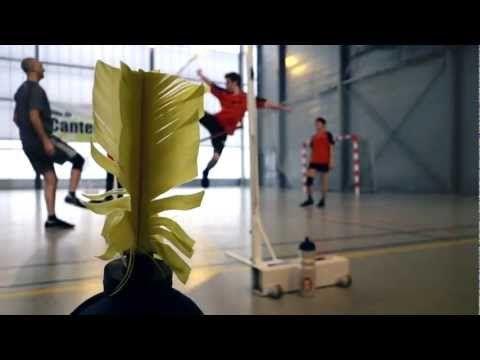 [Sport Insolite] Le plumfoot, un sport entre art martial et badminton   webovore