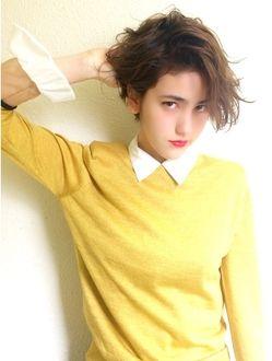 前髪長めのクールなマニッシュショート