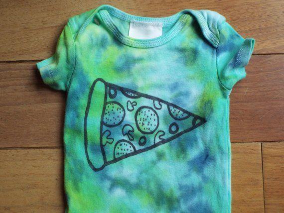 Pizza Baby Body, Custom Tie Dye Baby Strampler für den Pizzaliebhaber, benutzerdefinierte Babykleidung, Hippie Bab