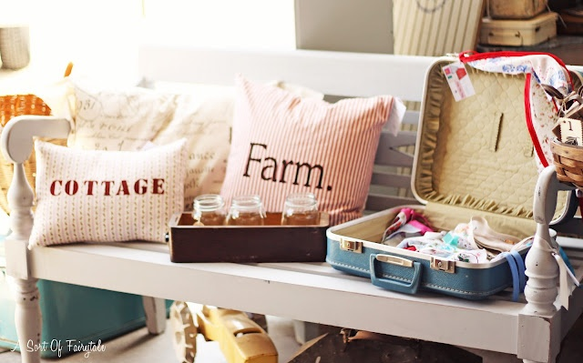 Pillows and open suitcase display: Farms Barns, Marketing Display, Suitca Display, Sweet Cottages, Shops Display, Country Farms, Shoppe Display, Country Farmhouse, Suitcases Display
