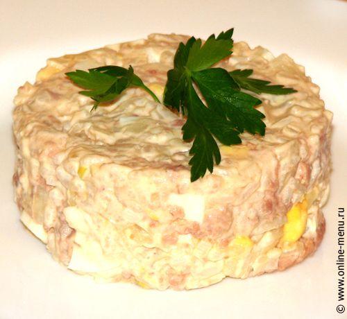 Рецепт салата с печенью трески с соленым огурцом