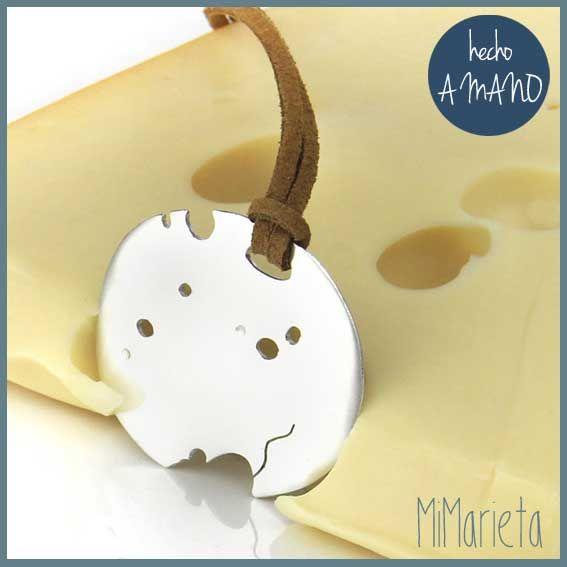 """Colgante """"Ratón en queso"""" http://www.mimarieta.com/producto/congante-raton-en-queso/"""