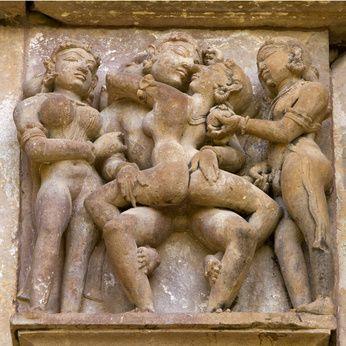 COS'E' IL CAMASUTRA (?!) ... DALL'IGNORANZA OCCIDENTALE ALLA CULTURA D'ORIENTE.Il Kamasutra (si scrive con la K!!) è un termine molto inflazionato e spesso cela un'assoluta ignoranza sul suo profondo significato culturale che rappresenta per un intero popolo. E' un testo sacro che detta i canoni di comportamento con un particolare accento alla sessualità, un libro tutto da scoprire… #Camasutra