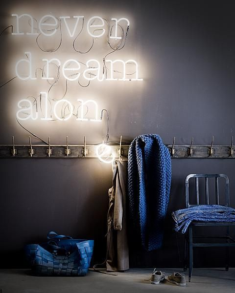 Never dream alone... Neon lights from The Frozen Fountain. This is a fun idea. /via vtwonen Photograpy: Jeroen van der Spek