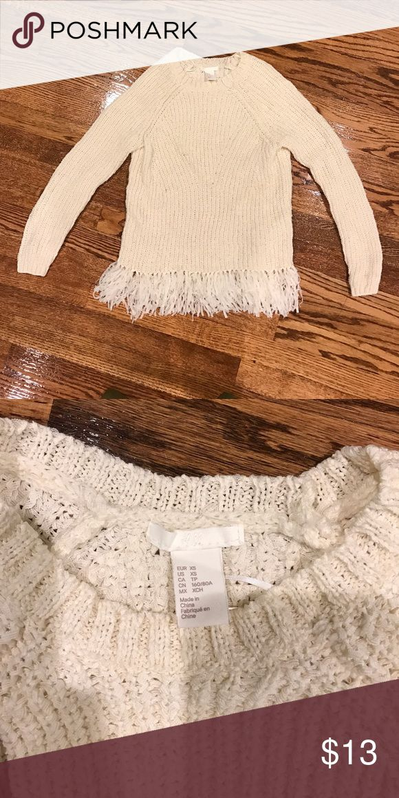 Final sale H&M Sweater Xs Just like new. Worn 1 time H&M Sweaters Crew & Scoop Necks