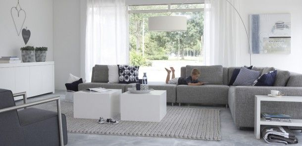 Woonkamers | moderne grijze bank voor woonkamer