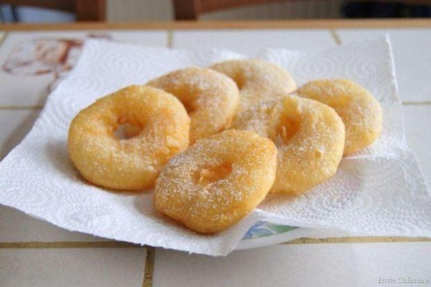 Recette de Beignets aux pommes de ma grand-mère.  Testées et approuvées.