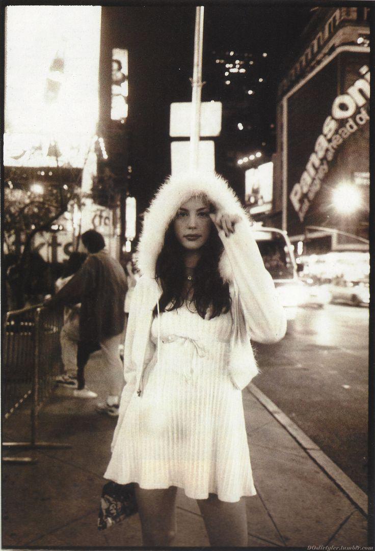 Liv Tyler in the 90's                                                                                                                                                                                 Más