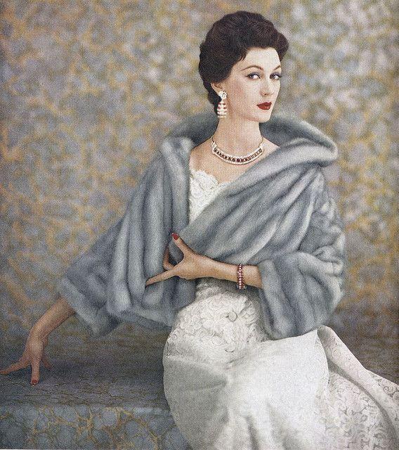 1955, Dovima. Loving the jacket ! Vintage fur . 1950s fashion