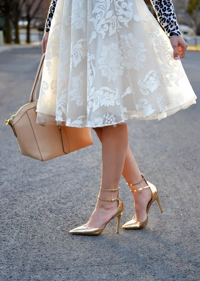 Leopard print sweater, damask lace tulle skirt, neutral bag, gold heels!