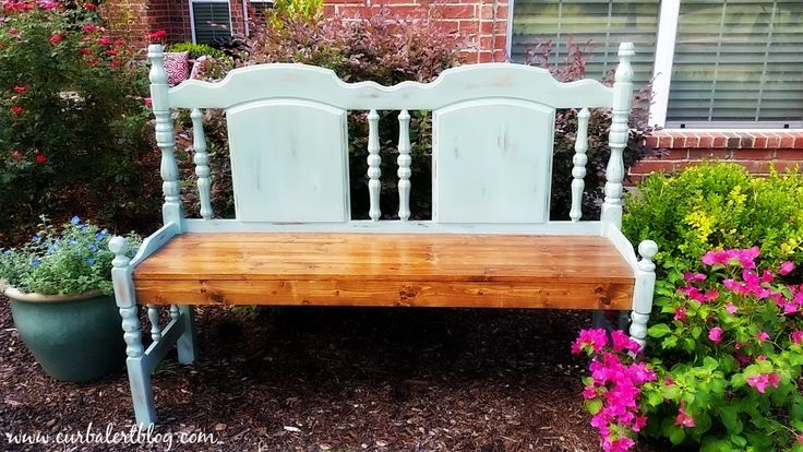Curb Alert!: Beautiful Blue Headboard Bench