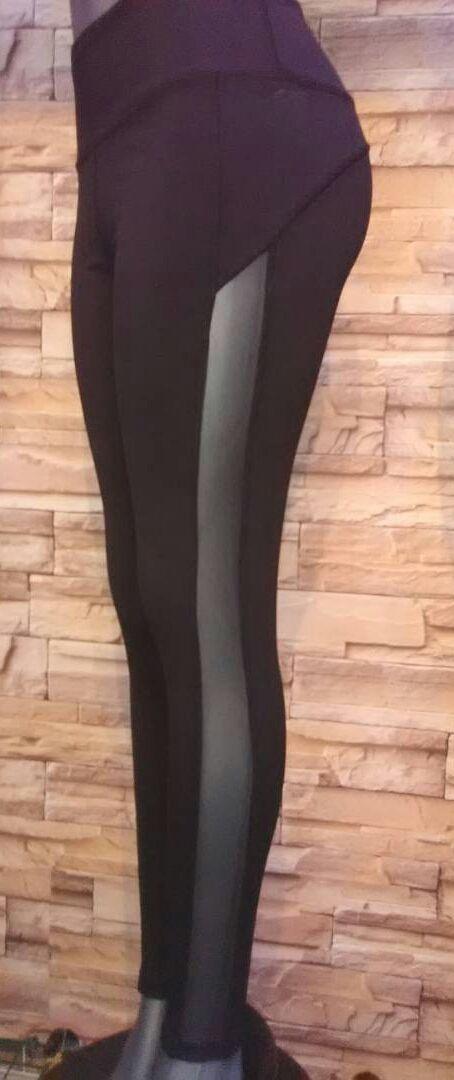 Empieza tu rutina de ejercicios a la moda!!!  Pantalón Leggins con Transparencia  Elaborado en PoliLycra  Talla: Única. Sirve para S, M y L pequeño.  #RopaGYM #Moda #GYM #Fashion #Transparencias #Ropadeportivademujer #Estilo #Lifestyle #Yoga #Sportwear #outfit #Workout #Sports #Fitness