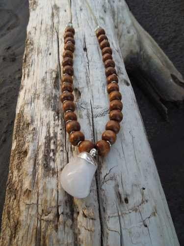 Collar De Cuentas De Madera Y Piedra Natural Selenita Blanca - $ 250,00