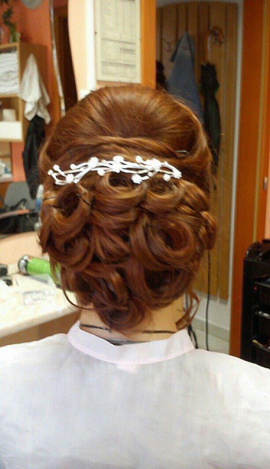 Menyasszonyi hajpróba a szalonban