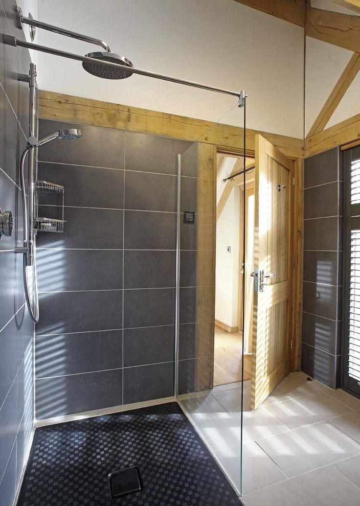 Oak frame bathroom ideas #bathroomideas #oakframe #oakbeams #bathrooms