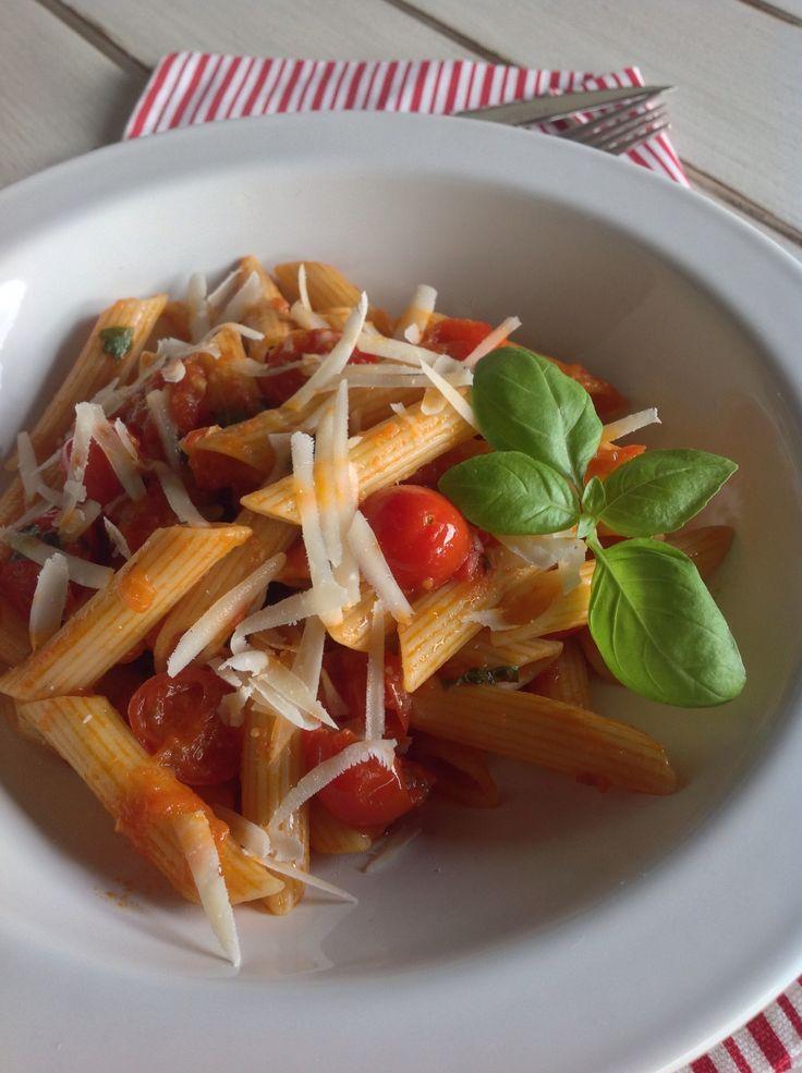 Macarr O Com Molho De Tomate Ingredientes 1 Cebola 2 Dentes De Alho 400 G De Tomate Fresco