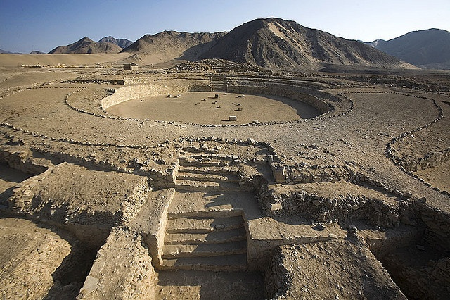 Located in the Supe Valley in Peru, Caral is one of the most ancient lost cities of the Americas. It was as inhabited between roughly 2600 BC and 2000 BC. Accommodating more than 3,000 inhabitants, it is one of the largest cities of the Norte Chico civilization