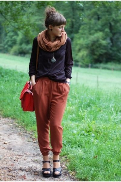 Nice outfit for walking on the weekends.: H M Shirts, Delamopl Necklaces, Burnt Orange, Orange Pants, H M Bags, Outfits Ideas, Black H M, H M Pants, Nice Outfits