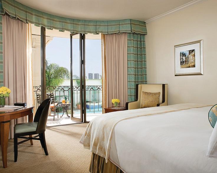 curtain love: Beverly Hills, Five Stars Hotels, Curtains, Four Seasons Hotels, The Angel, Seasons Beverly, Mediterranean Styl Pools, Balconies Overlook, Beverly Wilshir