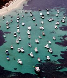 WAN-0004731 © WestPix Boat at anchor in Parker Point , Rottnest today.