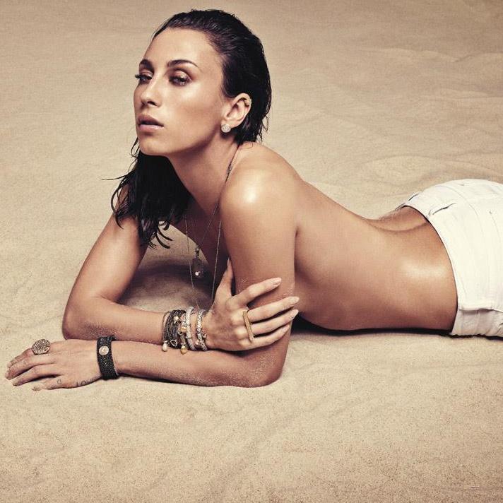 smukke kvinder billeder medinas bryster