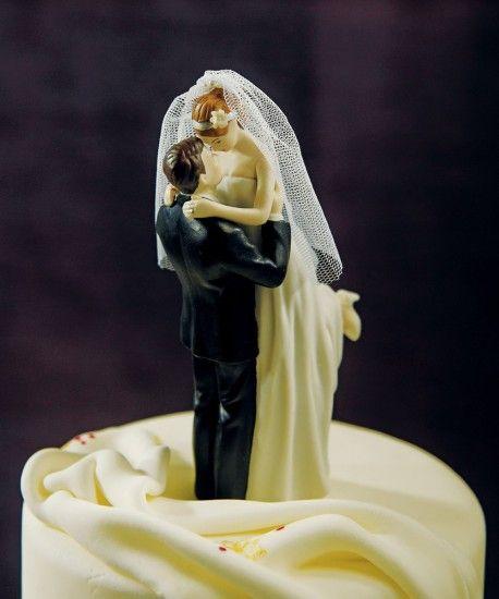 plenamente románticas acolchados divertido pastel de bodas
