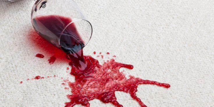 Se débarasser d'une tache de vin sur une nappe noté 5 - 3 votes Un geste brusque, une soirée un peu trop arrosée, malheur! Votre nappe est tachée de vin! Pas de panique, voici une solution pour arranger tout cela! Il vous faut: Du vinaigre blanc Du bicarbonate de soude Du citron Comment faire ?...