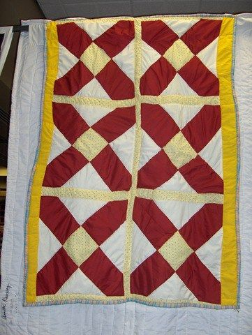 Quilt by Rita Mae Pettway Quilt by Florine Smith Gee's Bend is a small poor rural town located near Selma, Alabama. In the past it was comprised of cotton plantations, owned by Joseph Gee and a relative of his, Mark Pettway. Pettway bought the Gee estate in 1850 and after the Civil War, his freed …