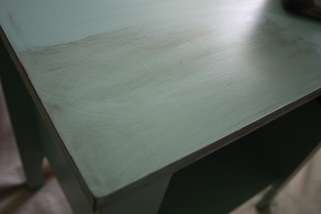 How to paint Laminate Furniture and distress it