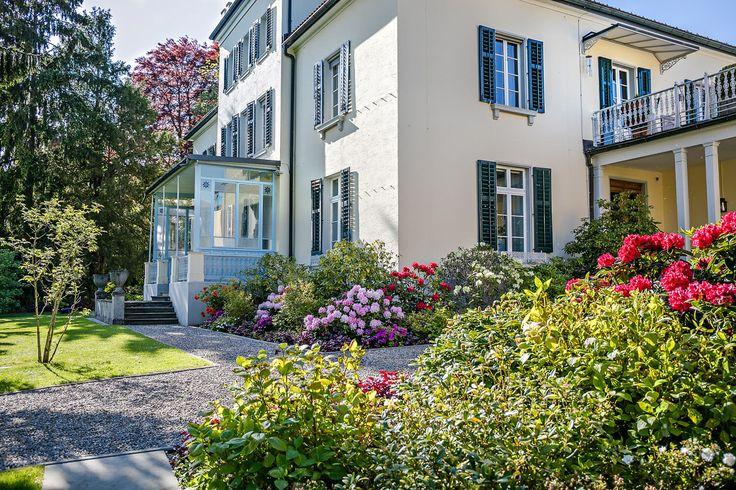 Villa am Zürichsee - Parkanlage - PARC'S Landschaftsarchitektur – Foto: Claudia Below