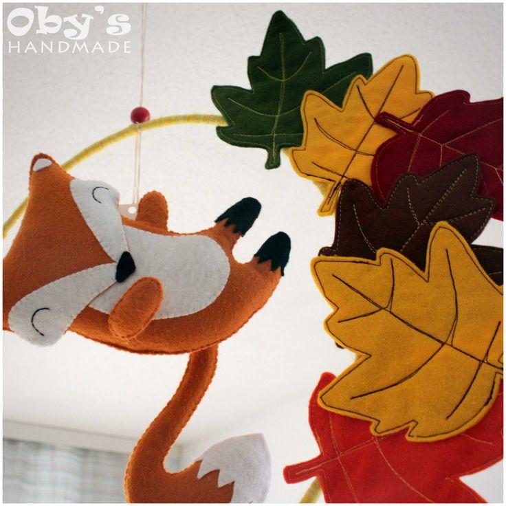 Crib mobile - Fox - sleeves - autumn