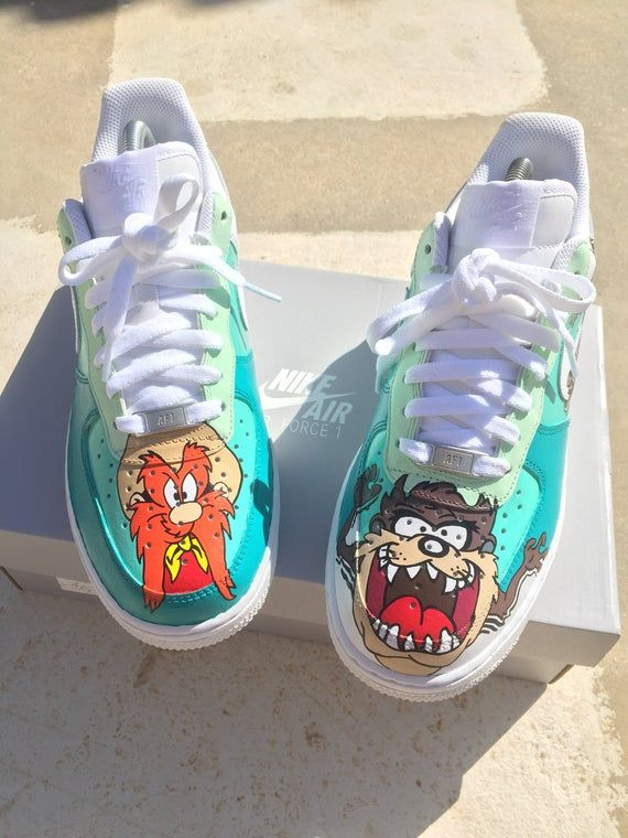 Nike Air Force 1, Custom hand painted shoes LOONEY TUNES RUN