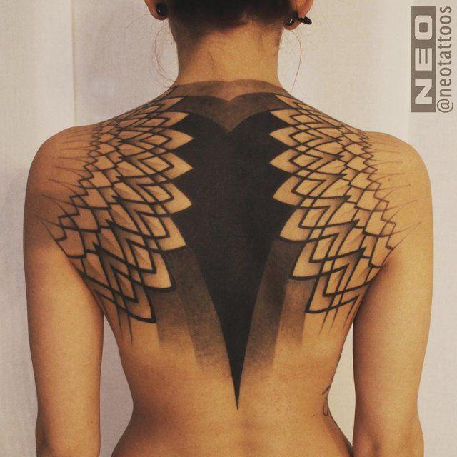 Blackout Tattoo tatuaje negro oddtattooer 7