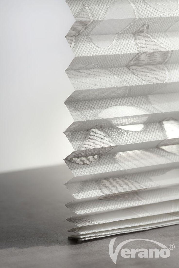 Creëer aangenaam #licht in huis met deze #plisségordijnen van #Verano.