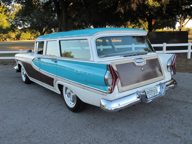 1958 Edsel Bermuda Wagon ---Man the 50s were the best years for cars.