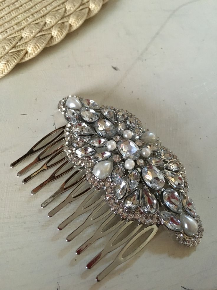 Hair slides for the bridesmaids
