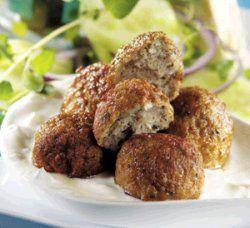Bilde av Greske kjøttboller med tzatziki.